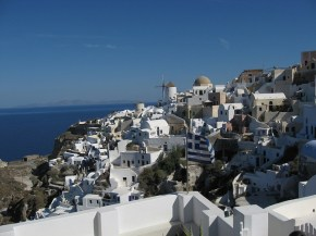 Cool roofs: beating the midday sun with a slap of whitepaint